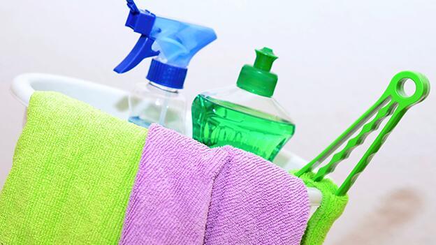 Kühlschrank Reiniger Aldi : 17 allzweckreiniger im test Öko test