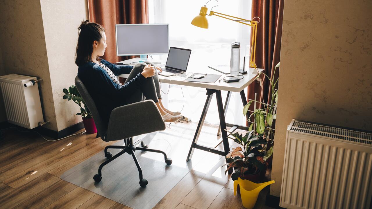 Schreibtisch im Schlafzimmer Wie Sie Ihren Arbeitsplatz im Home ...
