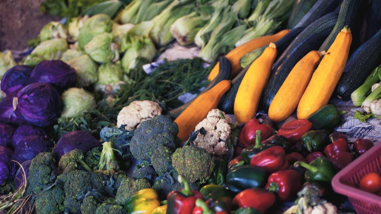 Essen Sie Gemüse und Obst, um Gewicht zu verlieren